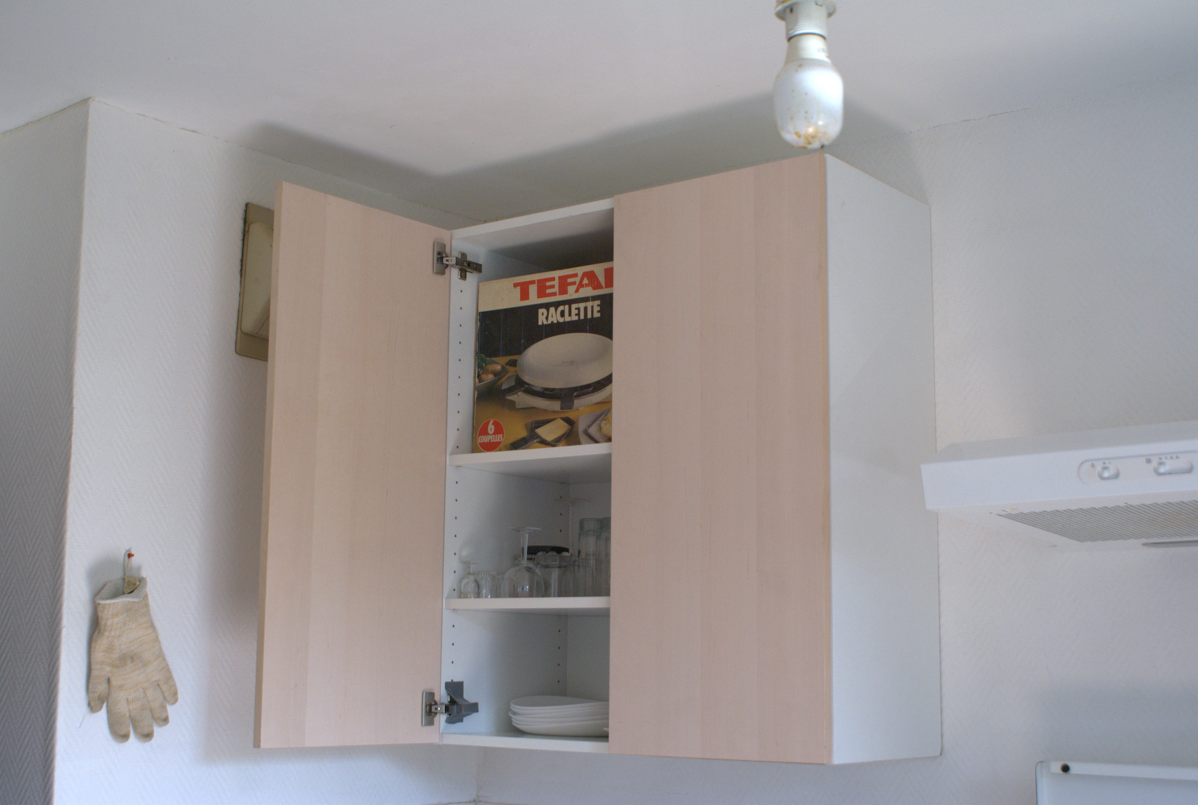Comment Accrocher Meuble Haut De Cuisine résolu : fixer meuble lourd en hauteur sur mur béton