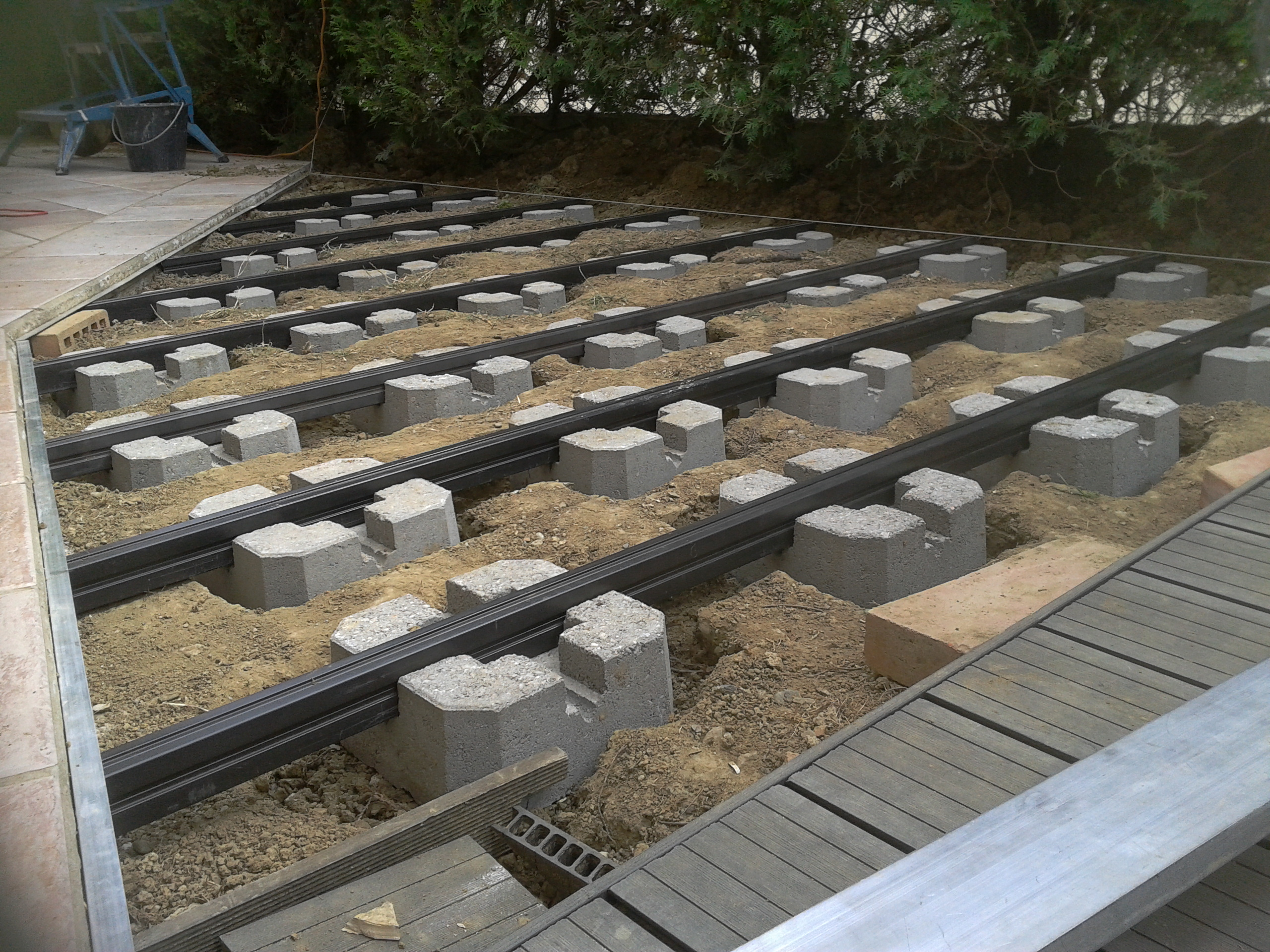 terrasse composite sur plot beton, photo vu sur  communaute