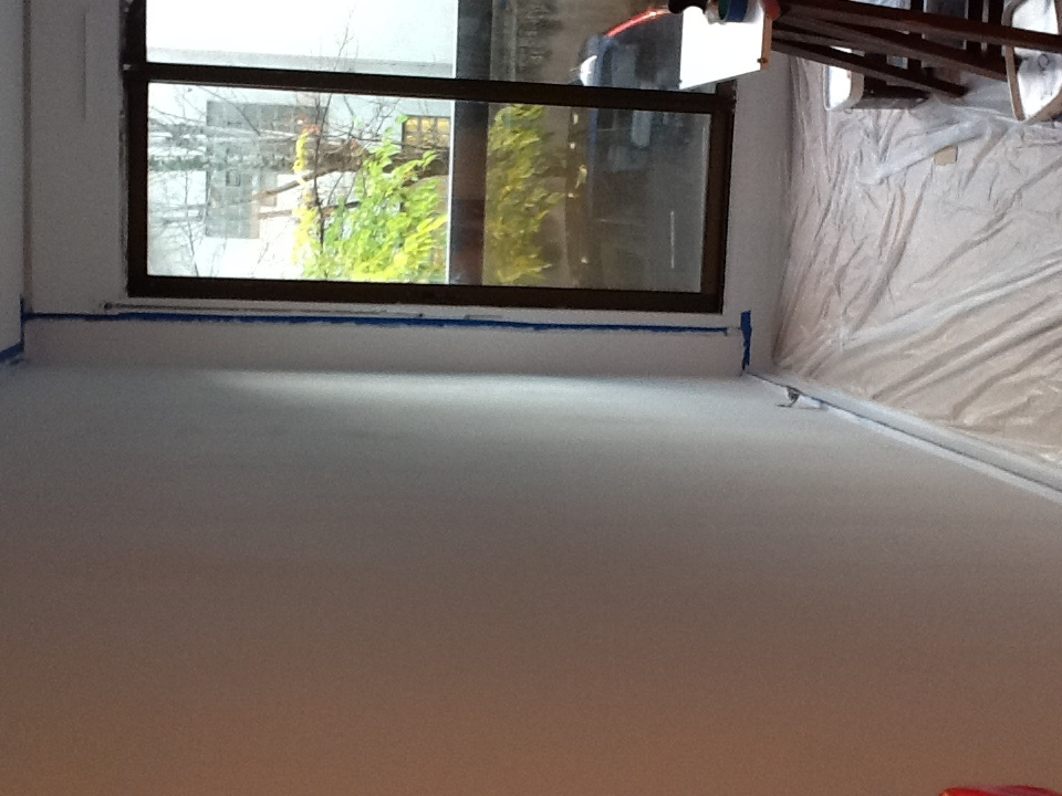 re urgent peinture blanche qui montre des trace communaut leroy merlin. Black Bedroom Furniture Sets. Home Design Ideas